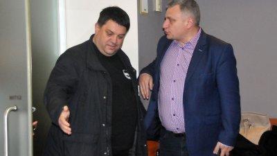 Евродепутатът Петър Курумбашев коментира актуални теми с Атанас Зафиров - член на ИБ на НС на БСП. Снимки Лина Главинова
