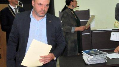Христо Панайотов е входирал предложението си в ОбС - Бургас. Снимка Лина Главинова