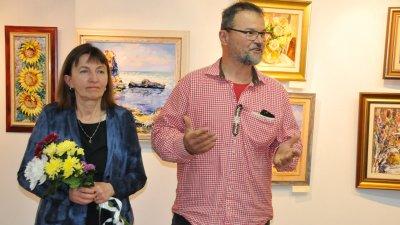 Жаклин и Марчел Ямелиеви за втори път редят изложба в галерия Бургас. Снимки Лина Главинова