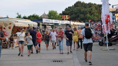 И през септември в Слънчев бряг имаше значителен брой туристи. Снимка Архив Черноморие-бг
