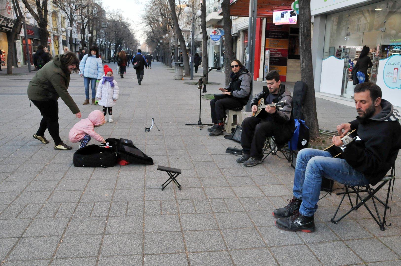 Средната продължителност на живота при мъжете в област Бургас е 71.7 години, докато при жените е по-висока - 78.8 години. Снимка Архив Черноморие-бг