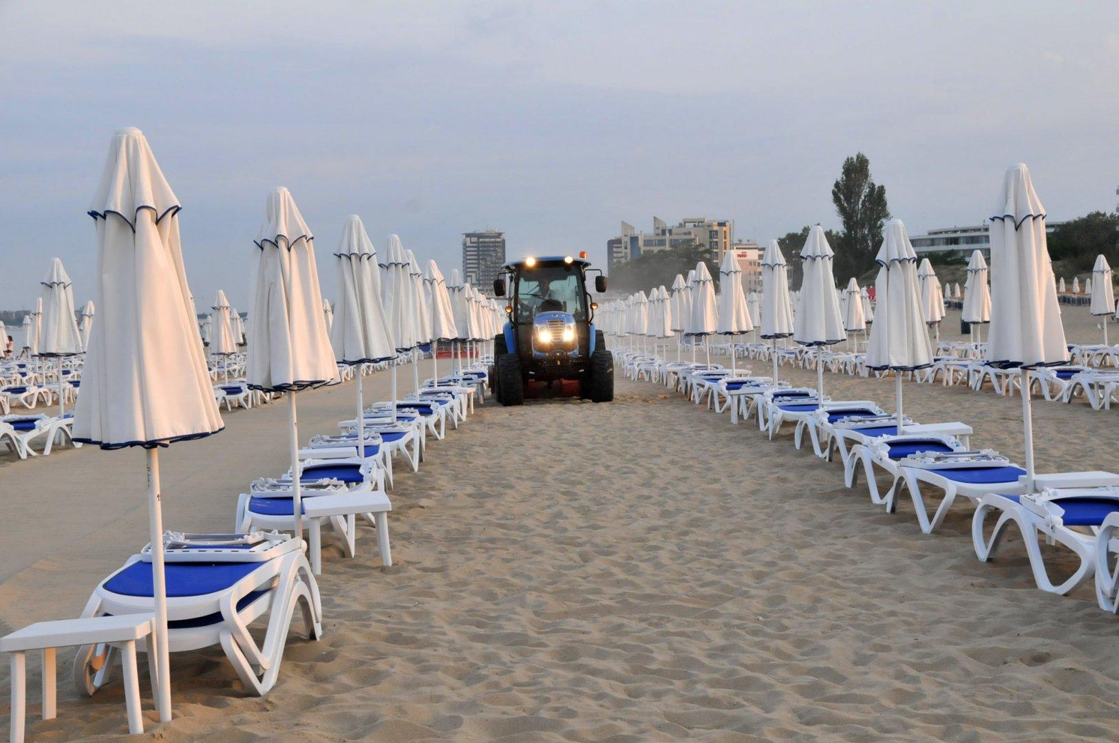 Тази вечер официално закриват сезона на плажа в Слънчев бряг. Снимка Архив Черноморие-бг