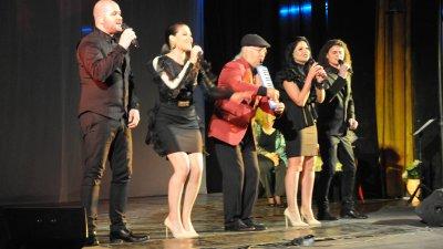 5-те сезона ще отбележат по време на Коледния концерт 10 години от създаването си. Снимки Лина Главинова