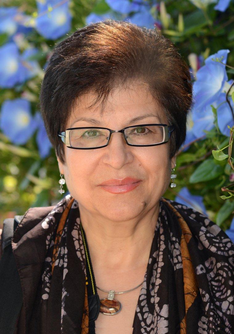 Калина Тельянова, не само пише авторска поезия, но и превежда, и редактира. Снимка Личен архив