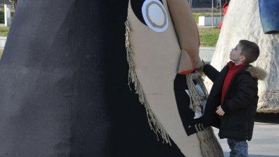 6 маски, включва пътуващата изложба Кукерландия от Ямбол. Снимки Лина Главинова