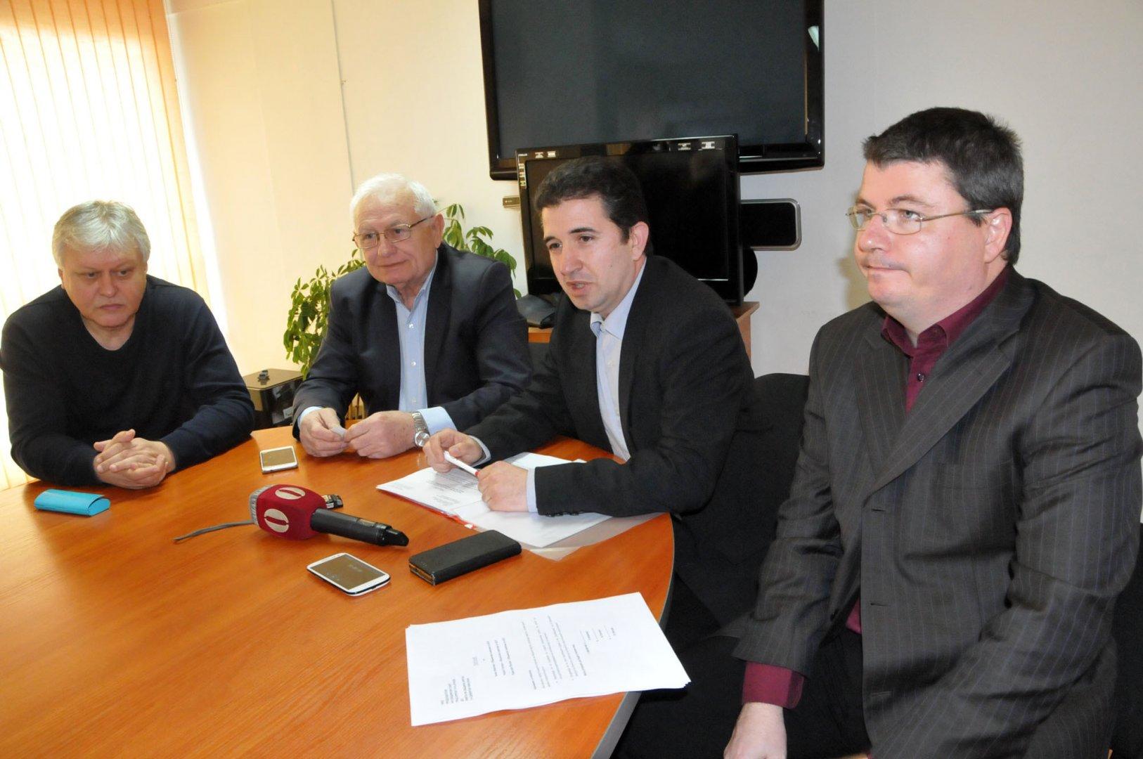 От БСП съобщиха, че над 100 са номинирани за евродепутати от Бургас. Снимка Лина Главинова