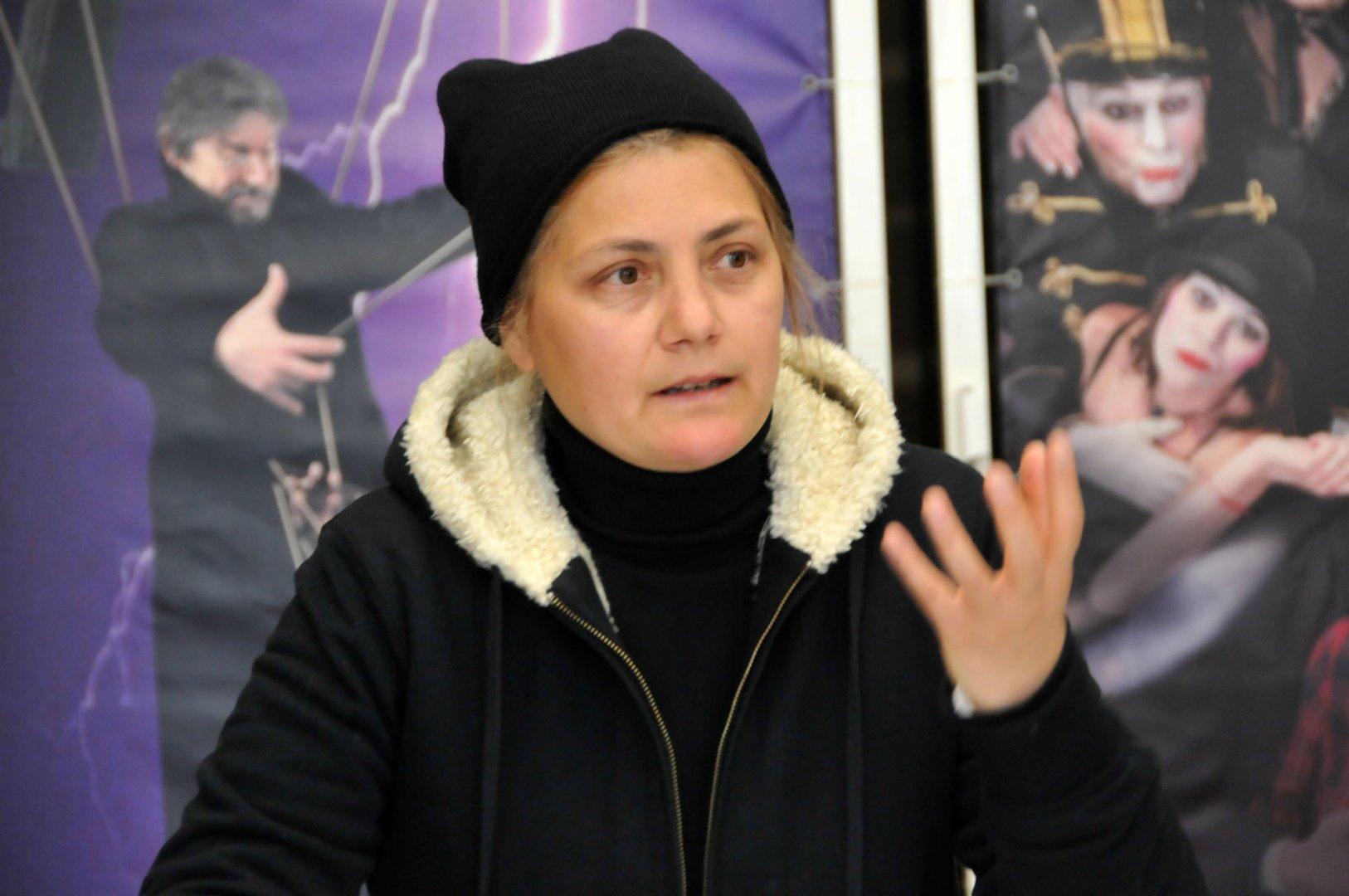 Деси Шпакова поставя Гераците на сцената на бургаския театър Адриана Будевска. Снимки Лина Главинова