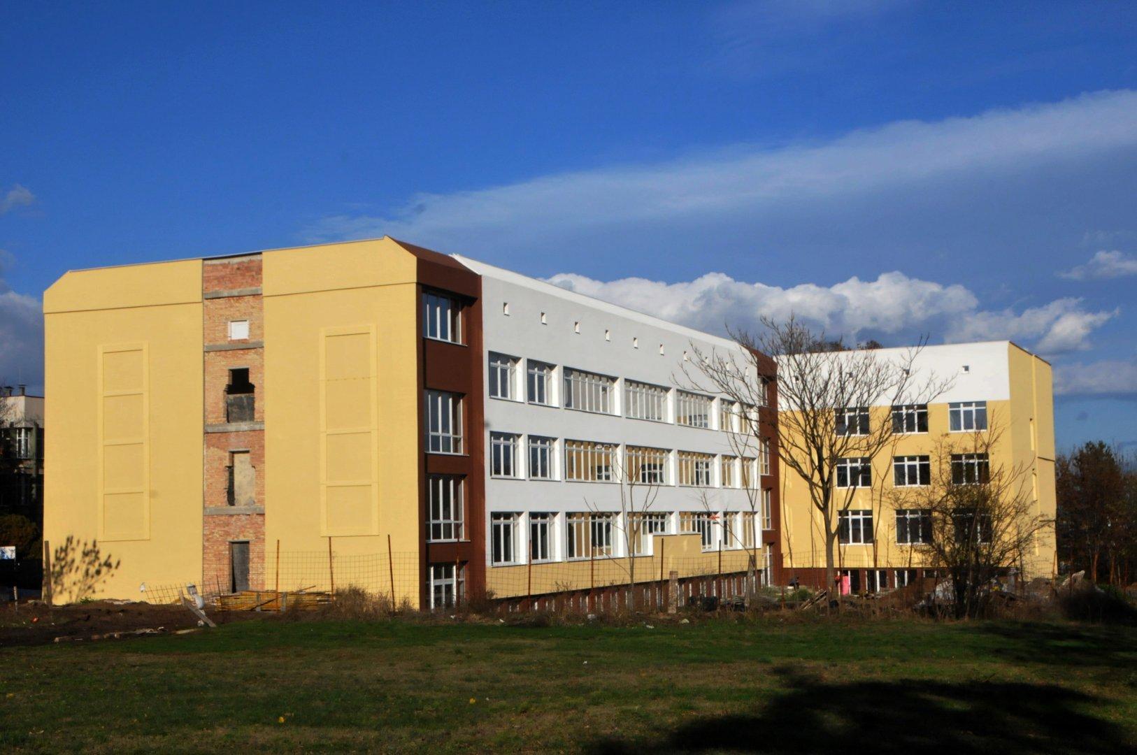 Това е сградата, в която ще се помещава факултетът. Снимка Архив Черноморие-бг