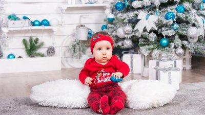 За малката Никол това е първата Коледа