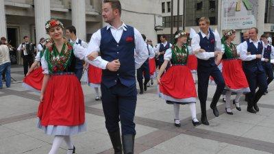 Участниците ще се представят пред сградата на Общината. Снимка Архив Черноморие-БГ