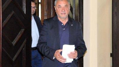 Валери Симеонов още не е обявил дали се връща в парламента. Снимка Архив Черноморие-Бг