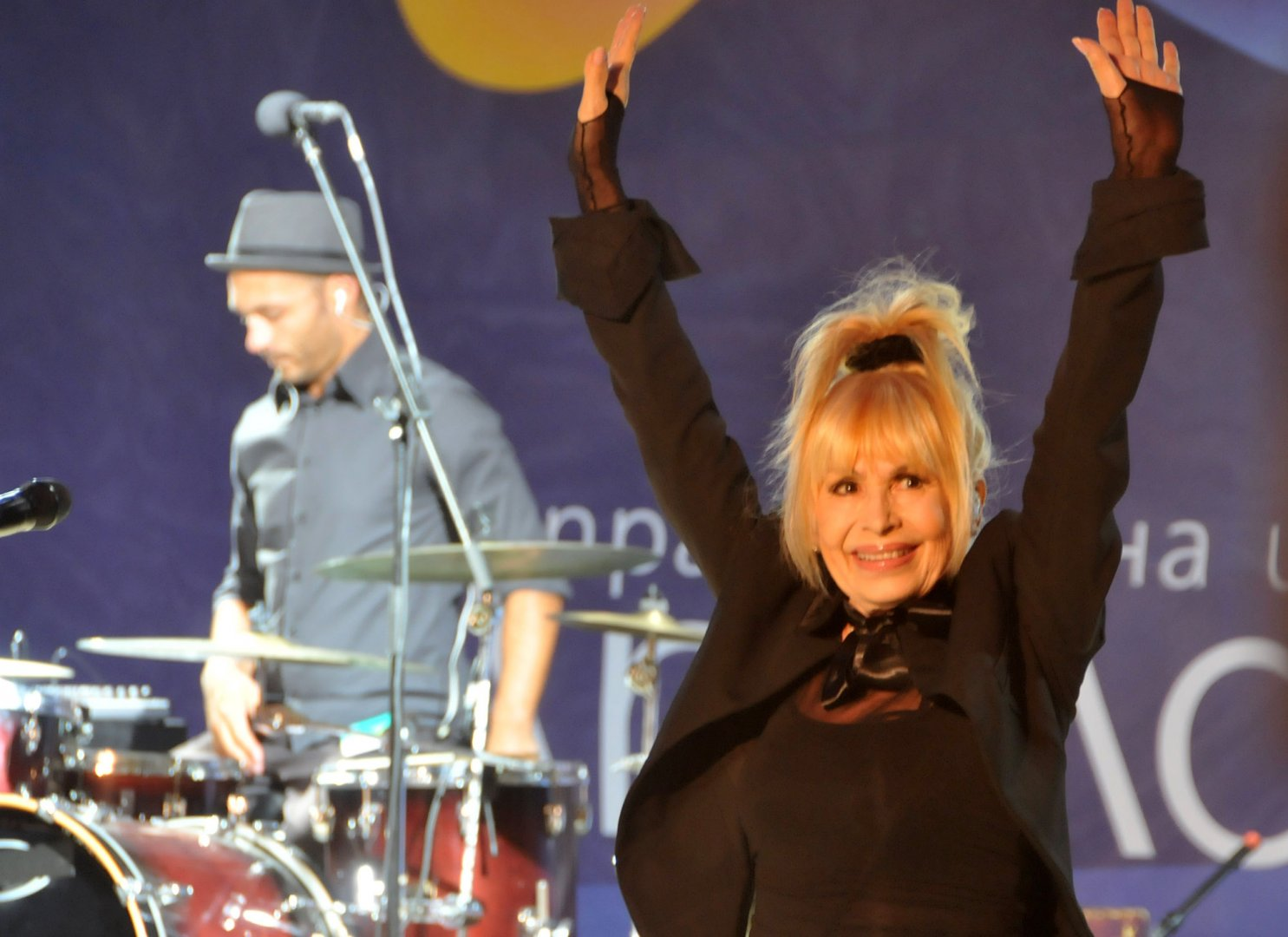 Лили Иванова ще пее в средата на април в Бургас. Снимка Лина Главинова