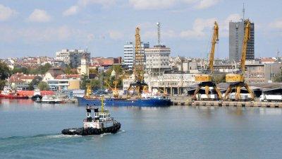 Сградите са на територията на държавния порт. Снимка Архив Черноморие-бг