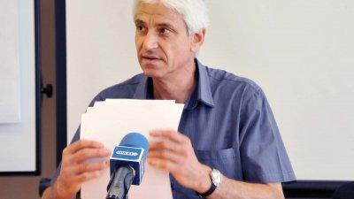 Търсят се и учители, каза Живко Янакиев. Снимка Лина Главинова