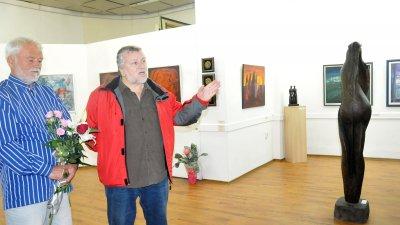 Ненчо Русев представи изложба по повод 75-та си годишнина в галерия Петко Задгорски. Снимки Лина Главинова