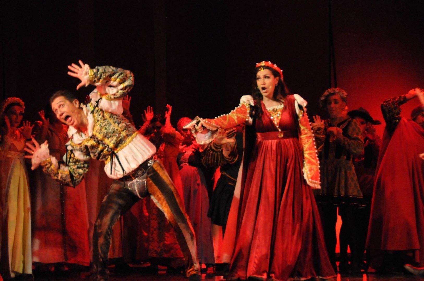 Мюзикълът Целуни ме, Кейт ще може да се гледа отново на 10-ти март. Снимка Архив Черноморие-бг