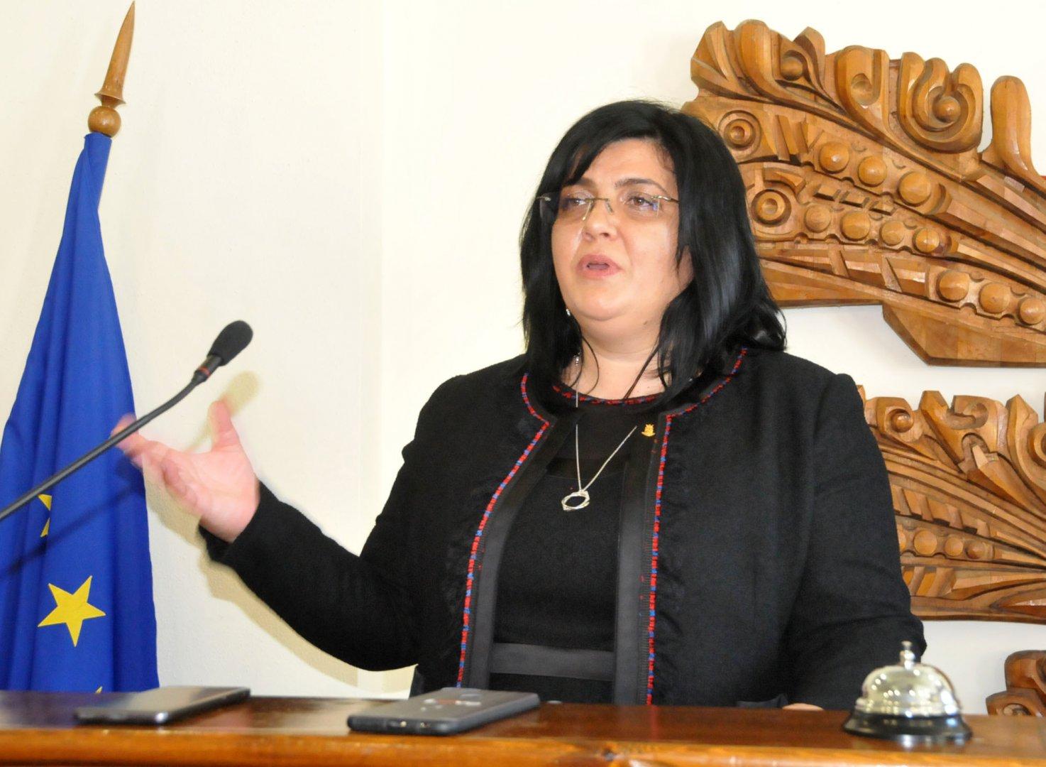 Таня Янчева ще ръководи Общинския съвет в Царево следващите четири години. Снимки Лина Главинова