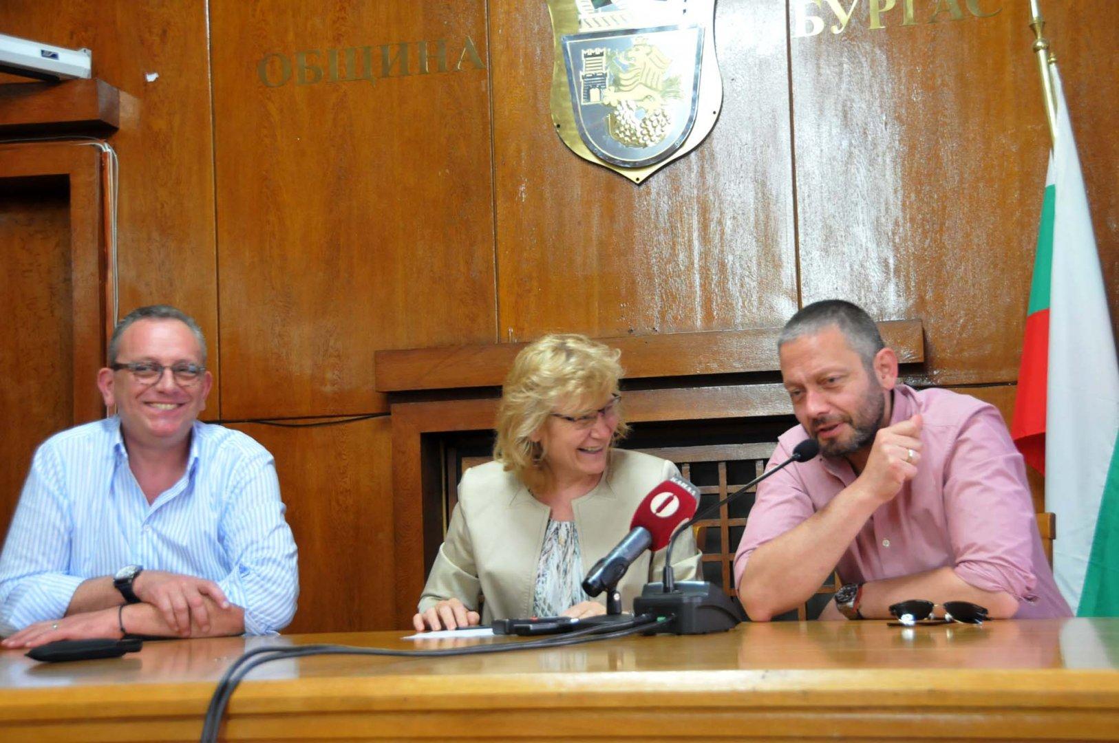 Братя Стоянович се надяват, че ще успеят да финализират успешно преговорите с Вендерс и Кустурица. Снимка Лина Главинова