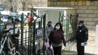 Заповедта за носене на маски влиза в сила от днес. Снимка Архив Черноморие-бг