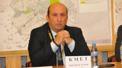 Иван Жабов бе избран за трети мандат кмет на община Средец. Снимки Лина Главинова