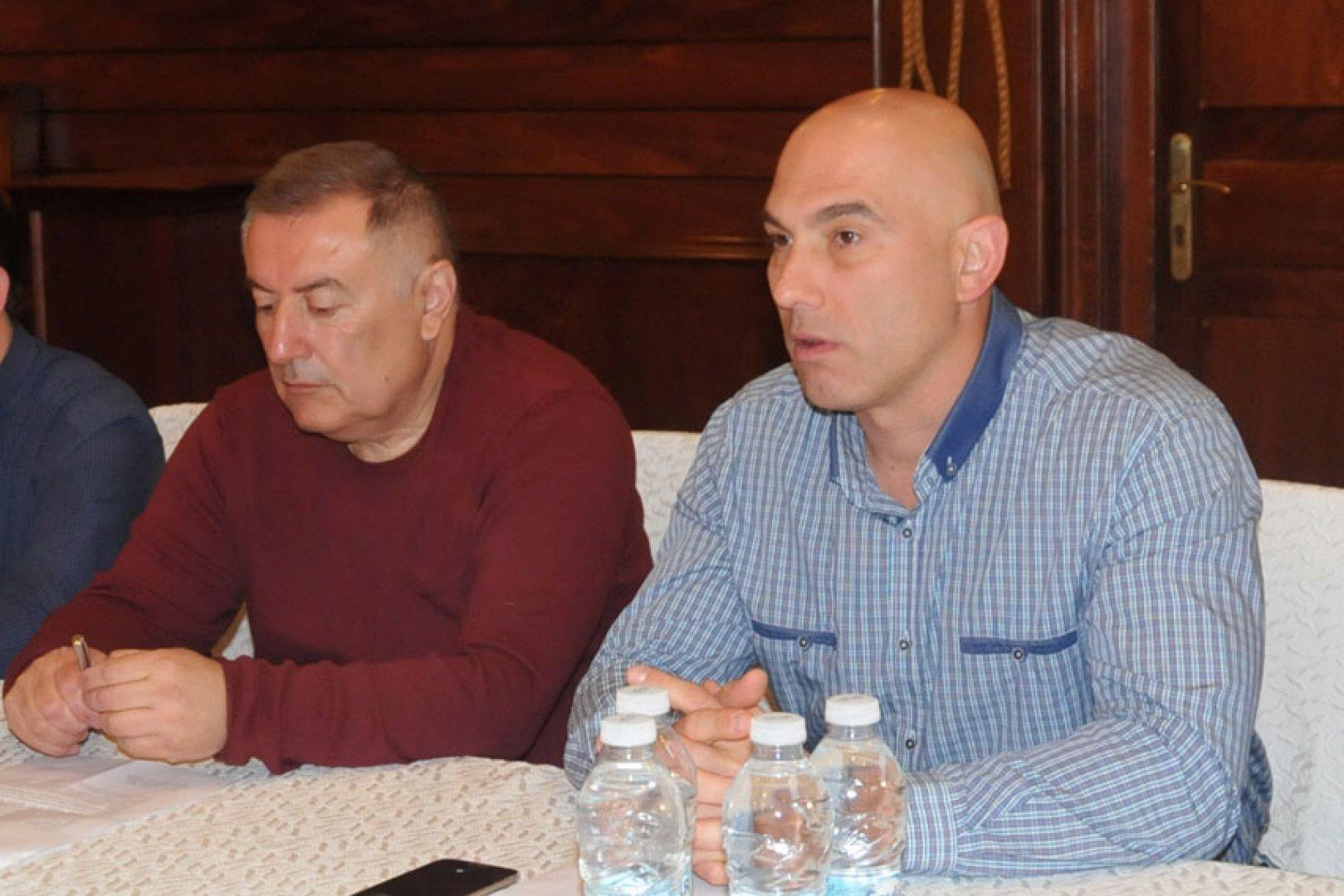Ще инициирам декларация, с която да защитим интереса на Бургас, каза Николай Тишев (вдясно). Снимка Архив Черноморие-БГ