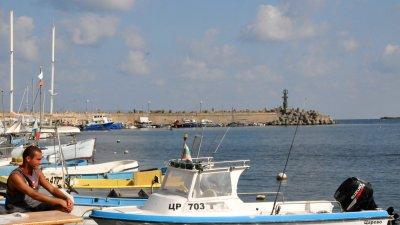 По този начин ще се увеличи с 60% капацитетът на пристанището. Снимка Лина Главинова