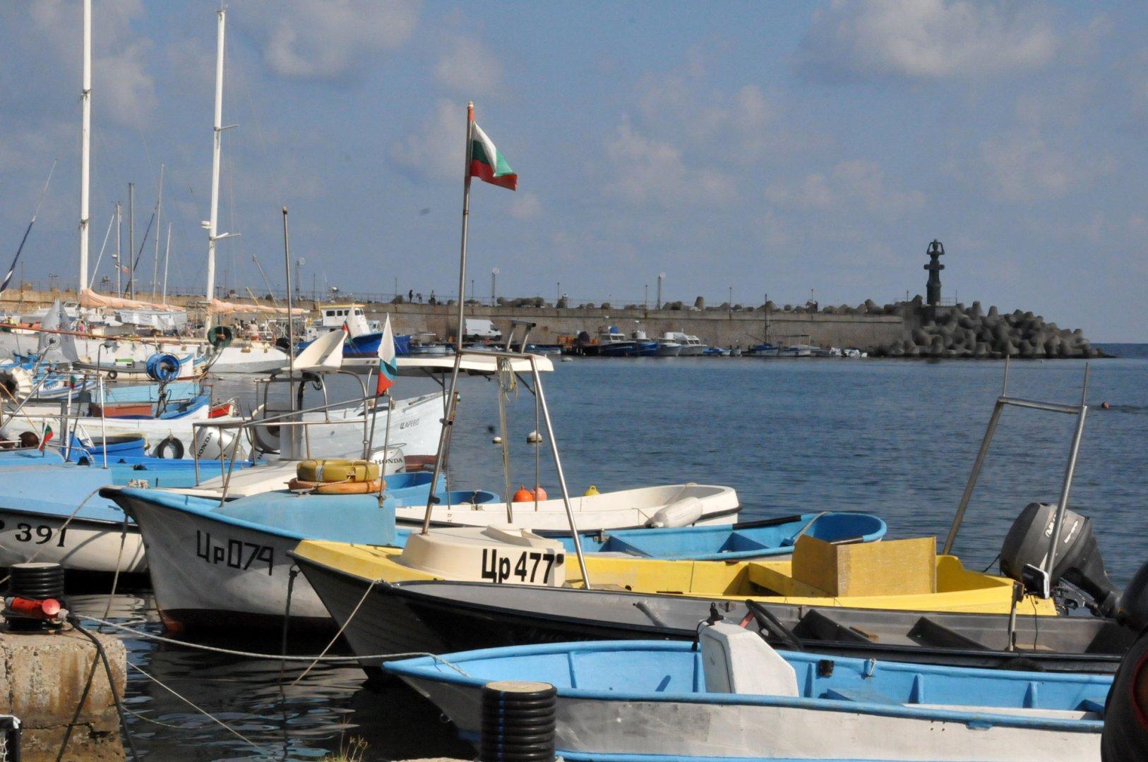 Пристанището на Царево е едно от местата, където е сниман сериалът. Снимка Архив Черноморие-бг