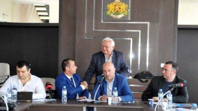 Две седмици бяха нужни за събиране на подписите и входиране на докладната записка в ОбС. Снимка Архив Черноморие-Бг