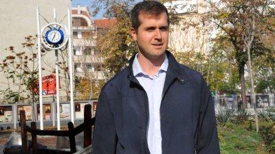 Стоян Коларов е входирал питането си на 11-ти септември. Снимка Лина Главинова
