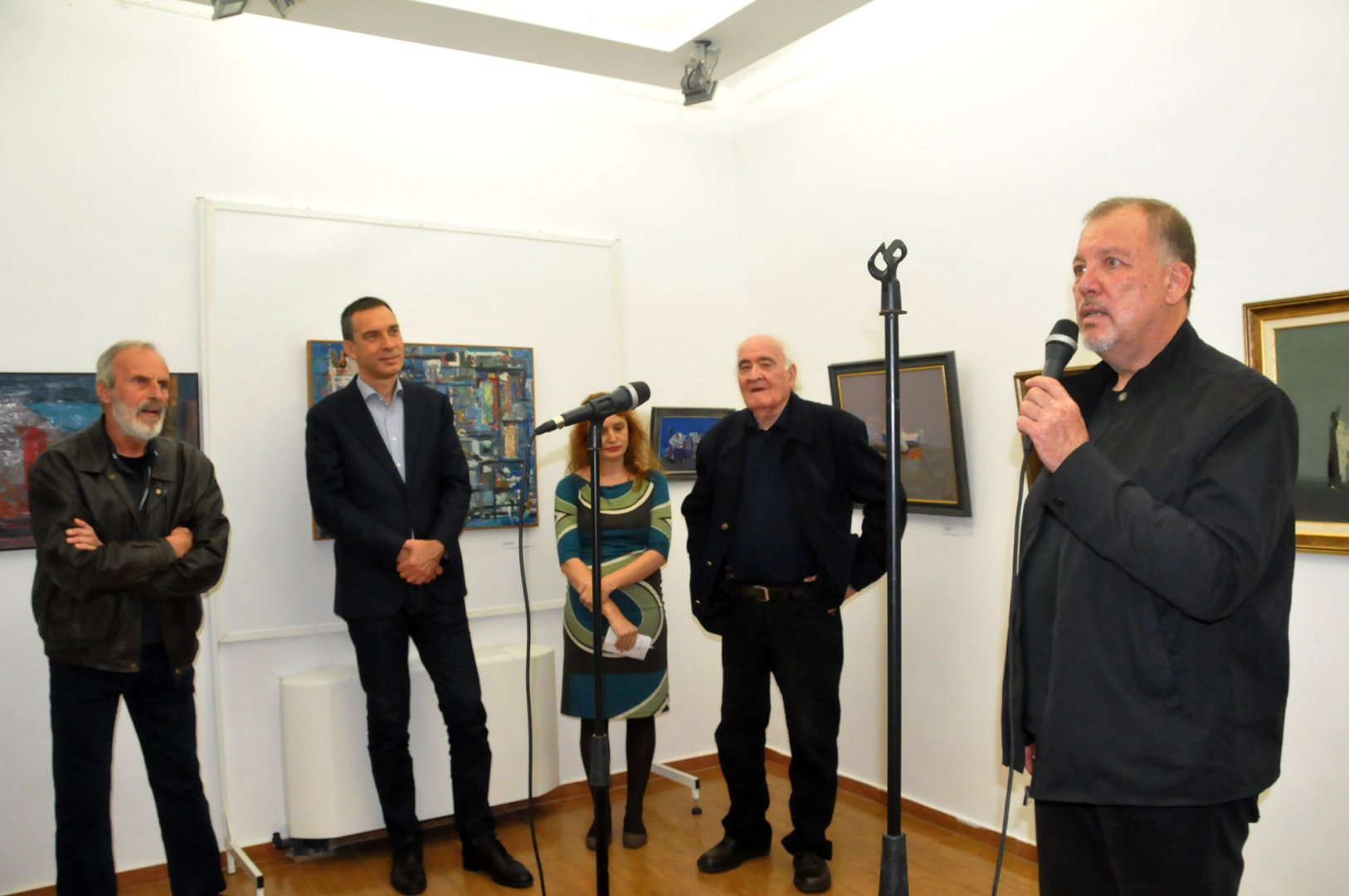Иво Баев разказа спомени за своя баща на откриването на изложбата в къща-музей Георги Баев по случай 95 години от рождението на художника. Снимки Лина Главинова