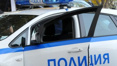 Работата по случая продължава от служители на Пето Районно управление – Бургас. Снимка Архив Черноморие-бг
