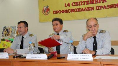 Надявам се, средства да има следващата година, каза комисар Василев (в средата). Снимка Лина Главинова