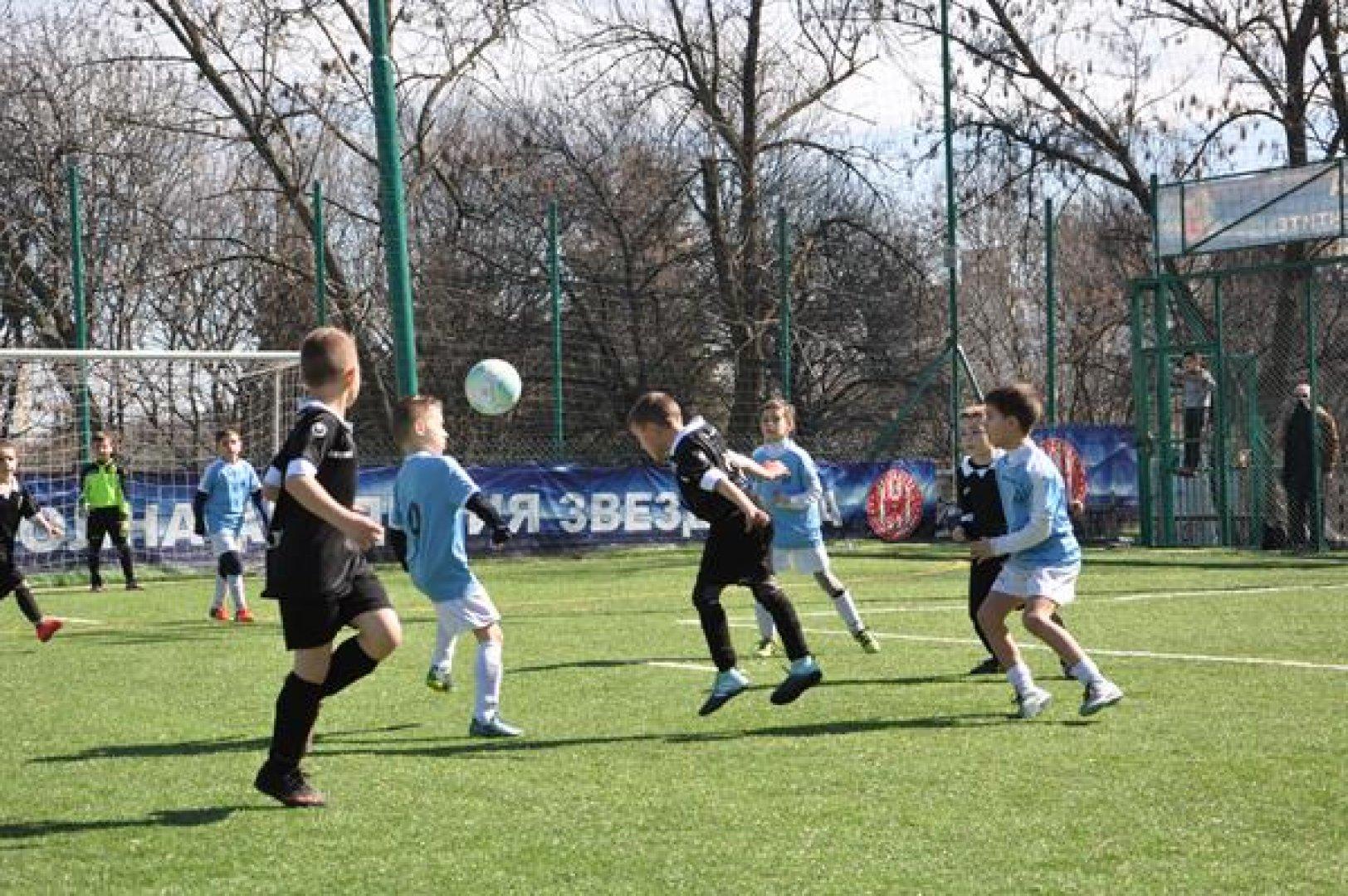 В турнира взеха участие 48 отбора от цялата страна. Бургаските деца се представиха отлично