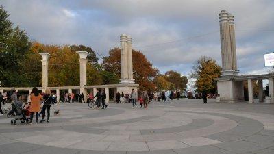 Варна се подготвя да отбележи националния празник. Снимка Лина Главинова