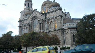 Светата литургия ще бъде отслужена в катедралния храм. Снимка Архив Черноморие-бг