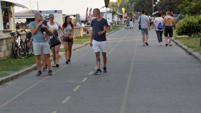 Причина за инцидентите на велоалеите е, че там се движат и колоездачи, и пешеходци. Снимки Лина Главинова