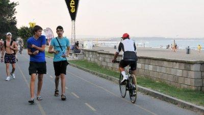 Тази спорна велоалея до няколко дни няма да съществува. Снимка Архив Черноморие-Бг