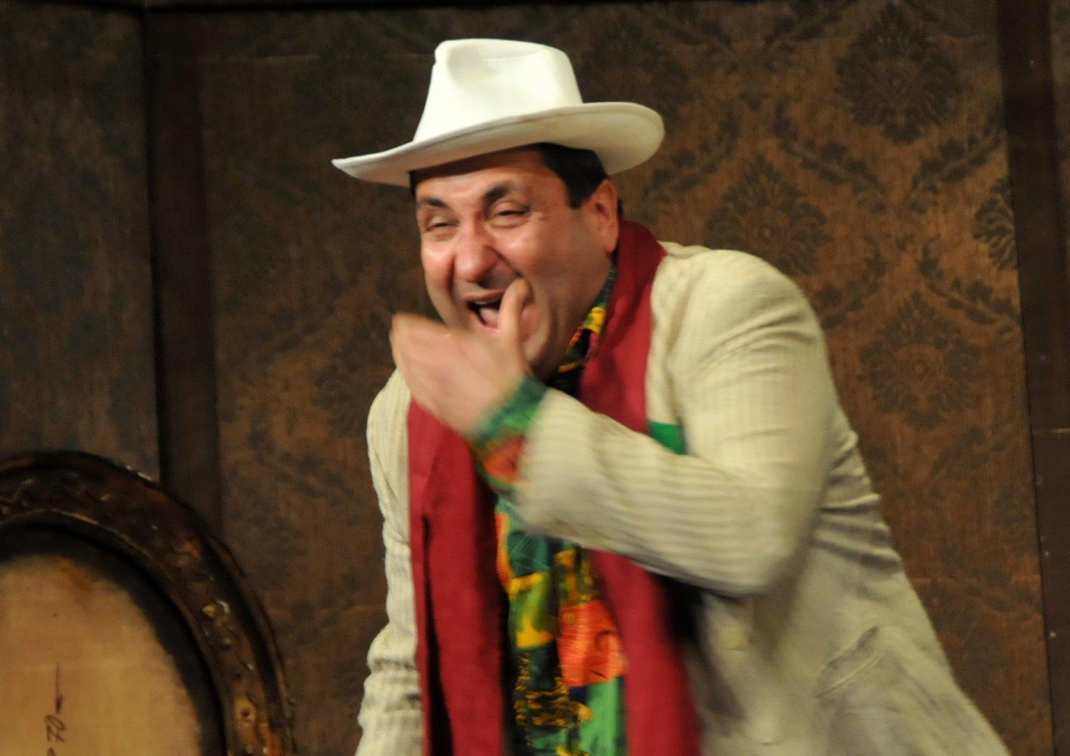 Гост изпълнител в пиесата Мрак е актьорът Тончо Токмакчиев. Снимка Лина Главиновал
