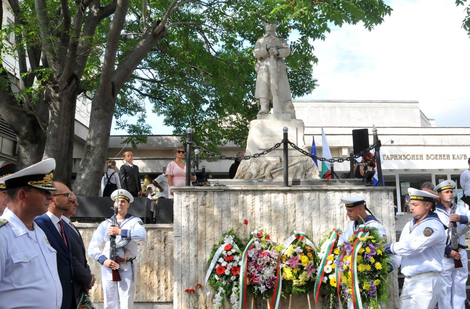 Заупокойна молитва ще бъде извършена пред паметника на 24-ти Черноморски полк. Снимка Архив Черноморие-бг