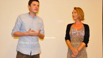 Внукът на писателя Радичков - Йордан представи документалния филм за дядо си пред бургаската публика. Снимки Лина Главинова