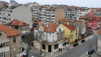 Спрямо предходното тримесечие издадените разрешителни за строеж на жилищни сгради намаляват с 34.6%. Снимка Архив Черноморие-бг