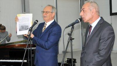 Генералният консул на Турция Нурай Иньонтепе (вляво) презентира инициативата. Снимки Лина Главинова