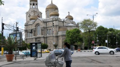 Ще бъде затворен за движение и района около катедралния храм. Снимка Архив Черноморие-бг