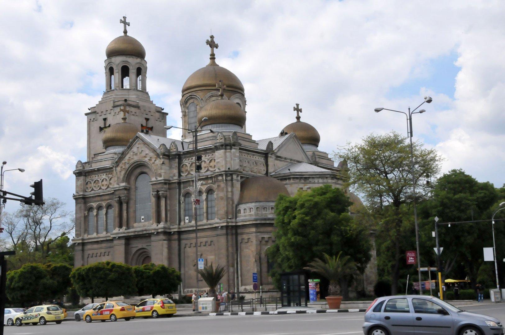 Шествието ще тръгне от катедралния храм във Варна. Снимка Архив Черноморие-бг