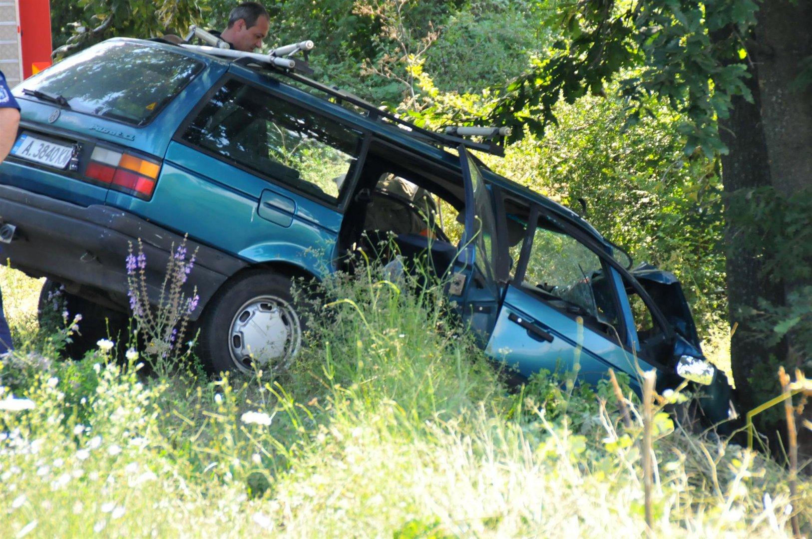72-годишният Т.К. от Бургас загинал на място. Снимки Лина Главинова