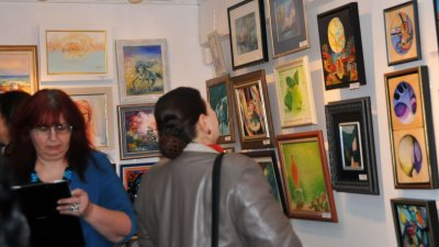 Картини малък формат ще бъдат изложени на 12-и декември в галерия Бургас. Снимка Архив Черноморие-бг