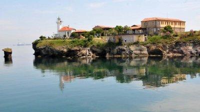 През април до Острова ще се плава по два пъти на ден. Снимка Архив Черноморие-бг