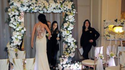 За втора поредна година гранд хотел и СПА Приморец бе домакин на сватбено изложение Grand Wedding Expo. На него беше показано всичко необходимо за съвършеното сватбено тържество. Акцент бе бляскавото ревю на разкошни булчински рокли. Снимки Лина Главинова
