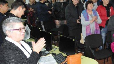 Учениците изнесоха рецитал по стихове на Борис Бухчев. Снимки Лина Главинова
