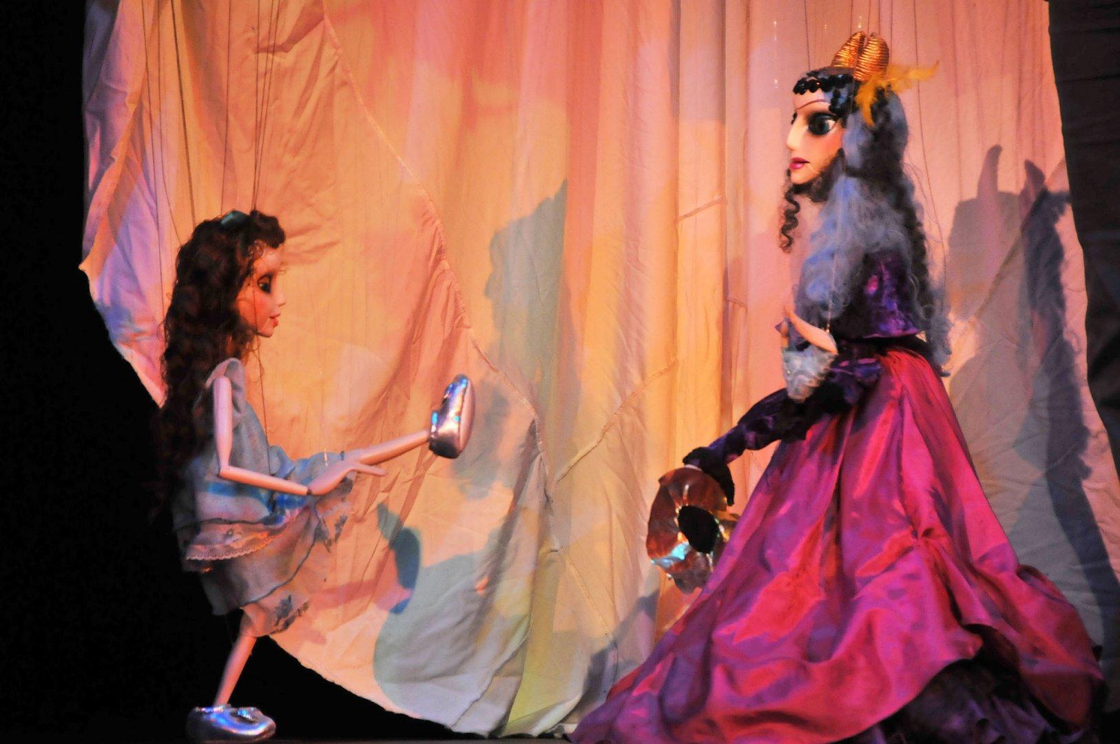 Магьосникът от Оз е част от репертоара на бургаския Куклен театър. Снимки Лина Главинова